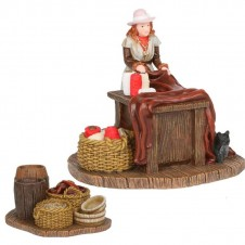 "Figurines ""Madame Sophie and Table"" - LUVILLE"