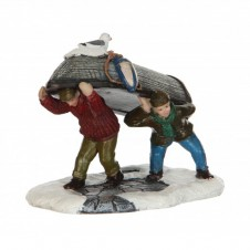 """Figurine """"Carrying a boat"""" - LUVILLE"""